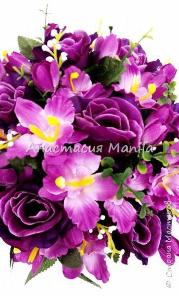 """Всех с прошедшим 8 марта!)) А вот и вторая моя работа, сделанная в праздничные дни. """"Вайолет"""". Интерьерная композиция в пластиковом кашпо из искусственных роз и орхидей. Необычная в фиолетовых тонах. Высота - 34 см, диаметр - 28 см. фото 4"""
