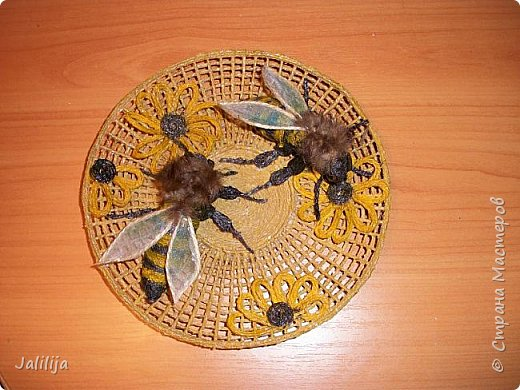 Уважаемые жители и гости Страны мастеров! Вот ещё одна тарелка панно из джутовой верёвки. Мне как раз не хватало одной для стены, которую я начала оформлять. фото 4