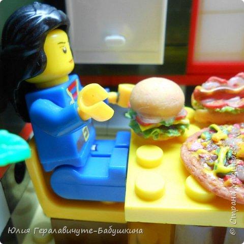 Попросили дети сделать им миниатюрную еду для игры с лего человечками)) фото 10