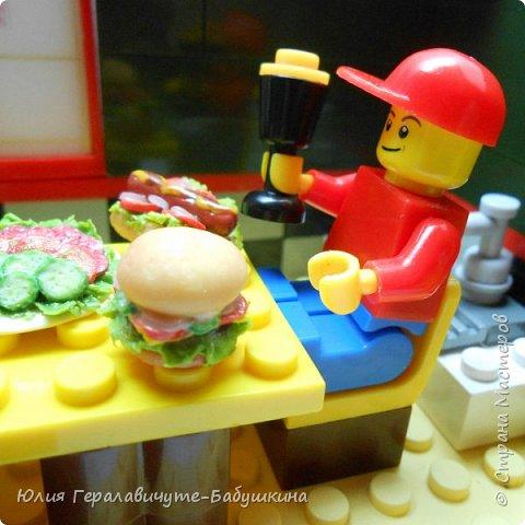 Попросили дети сделать им миниатюрную еду для игры с лего человечками)) фото 11