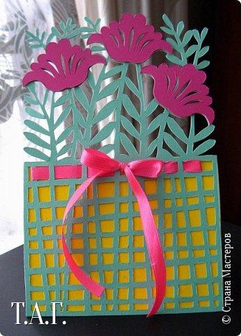 Традиционно к женскому празднику Руслан приготовил открытки. фото 14