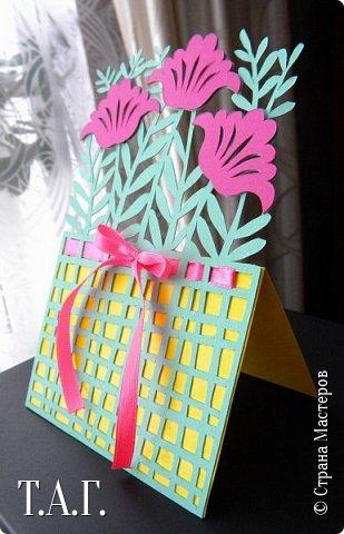 Традиционно к женскому празднику Руслан приготовил открытки. фото 15