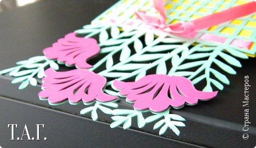 Традиционно к женскому празднику Руслан приготовил открытки. фото 19