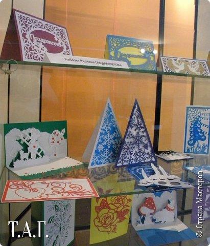 Традиционно к женскому празднику Руслан приготовил открытки. фото 28