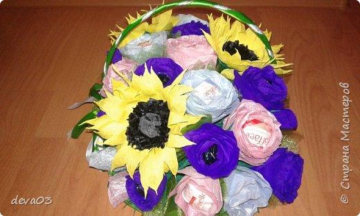 на фото розы синие, на самом деле они фиолетовые фото 4
