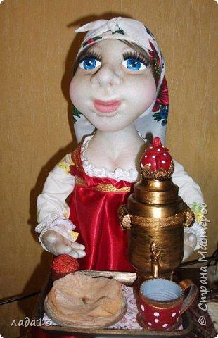 Кукла сшита на конкурс масленицы.По такому случаю пришлось белый платочек повязать и новые бусы прикупить. фото 2