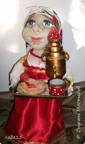 Кукла сшита на конкурс масленицы.По такому случаю пришлось белый платочек повязать и новые бусы прикупить. фото 3