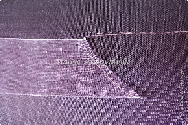 Пышный цветок из органзы. Понадобится: органза( ширина 4см) , ткань( основа для вышивки), нитки. фото 3