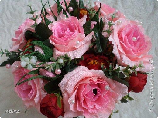 Девочки мои дорогие!!!  Мастерицы!   Делясь своими творениями, хочу поздравить с наступившим праздником Весны всех нас!!!  Пусть весной желания сбываются, От души звучат слова красивые, Как цветы, пусть в сердце распускаются Чувства и мечты неповторимые! Радостным пусть будет настроение От улыбок, доброго внимания, Подарит праздник вдохновение, Комплименты, нежные признания! Подготовка к 8 Марта шла очень оперативно и бессонно... Подарков пришлось сделать ОЧЕНЬ много! Всеми творениями досаждать Вам не буду, а некоторыми поделюсь. Выкладываю ЦЕНТРОВЫЕ )) Остальные подарки были сделаны по их типу. фото 12