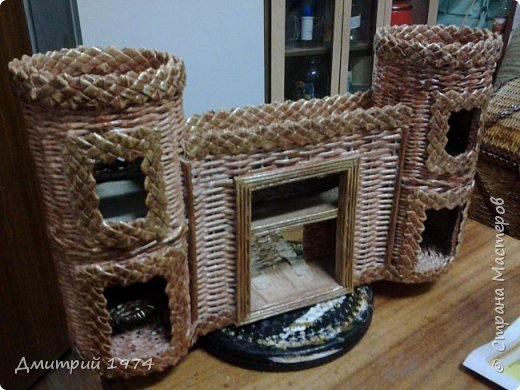 Всем ЗДРАВСТВУЙТЕ!!!!!!!  Доча попросила сделать домик,вот что получилось.....Дворец? Крепость? Решать Вам! :)))) фото 9
