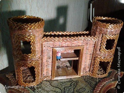 Всем ЗДРАВСТВУЙТЕ!!!!!!!  Доча попросила сделать домик,вот что получилось.....Дворец? Крепость? Решать Вам! :)))) фото 4