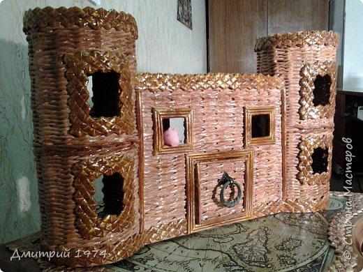 Всем ЗДРАВСТВУЙТЕ!!!!!!!  Доча попросила сделать домик,вот что получилось.....Дворец? Крепость? Решать Вам! :)))) фото 1