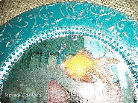 Очень люблю декорировать тарелочки!!! Они для меня, как полигон для изучения разных техник.  фото 5