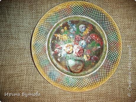 Очень люблю декорировать тарелочки!!! Они для меня, как полигон для изучения разных техник.  фото 7
