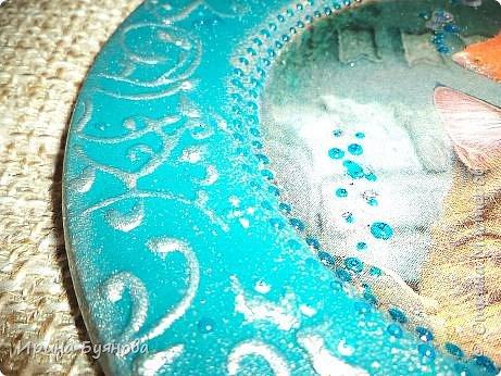 Очень люблю декорировать тарелочки!!! Они для меня, как полигон для изучения разных техник.  фото 6