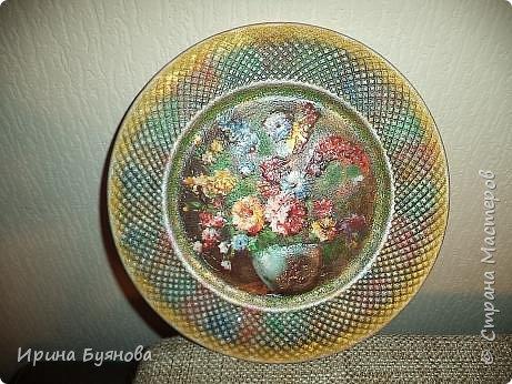 Очень люблю декорировать тарелочки!!! Они для меня, как полигон для изучения разных техник.  фото 8