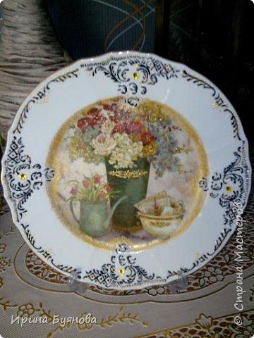 Очень люблю декорировать тарелочки!!! Они для меня, как полигон для изучения разных техник.  фото 16