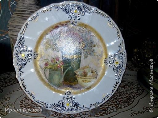 Очень люблю декорировать тарелочки!!! Они для меня, как полигон для изучения разных техник.  фото 17