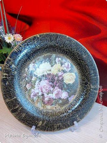 Очень люблю декорировать тарелочки!!! Они для меня, как полигон для изучения разных техник.  фото 18