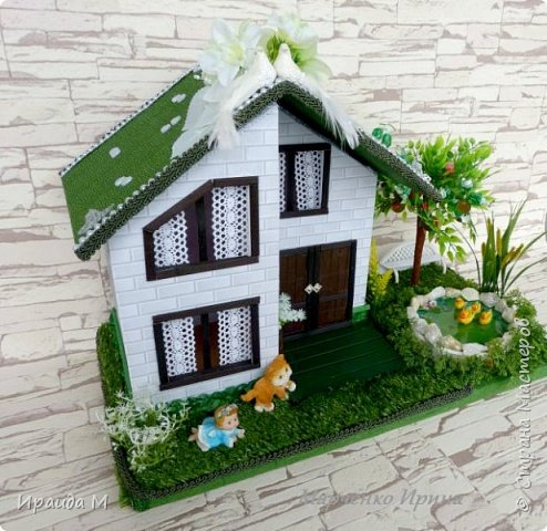 """Подарок на свадьбу  все с тем же пожеланием: """"Построить дом, посадить дерево, воспитать детишек"""""""