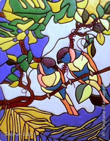 Тропические птички-картина из кожи в технике витраж