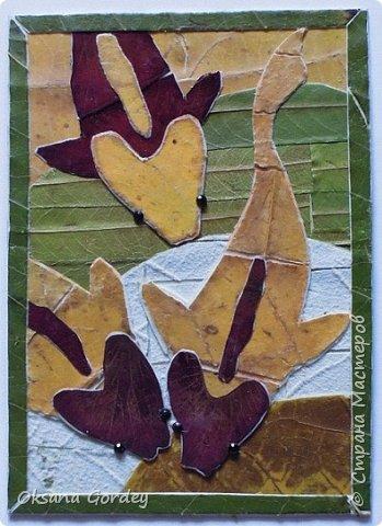 """Серия АТС """"Почти эко...с ящерками"""". Достичь чистого эко не получилось, т.к. использовала кроме натуральных материалов (мох, бамбук, кое-где кусочки сосновый коры, металлические монетки, бумажные цветочки), еще пластмассовые пуговички-ящерки и стразики с люминисцентным эффектом.  фото 10"""
