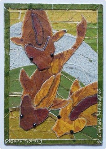"""Серия АТС """"Почти эко...с ящерками"""". Достичь чистого эко не получилось, т.к. использовала кроме натуральных материалов (мох, бамбук, кое-где кусочки сосновый коры, металлические монетки, бумажные цветочки), еще пластмассовые пуговички-ящерки и стразики с люминисцентным эффектом.  фото 13"""