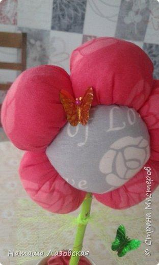 Вот такой цветочек у меня получился. Делала по МК http://stranamasterov.ru/node/517075 . Спасибо автору. фото 4