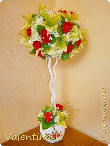 Вот и наступила весна, пока только календарная. Топиарий посвящён Весне и весеннему настроению!!! Нежная зелень и яркие весенние цветы напомнят о прекрасном времени года, полном надежд и ожиданий всего только хорошего!!! фото 2