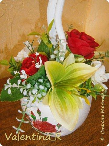 Вот и наступила весна, пока только календарная. Топиарий посвящён Весне и весеннему настроению!!! Нежная зелень и яркие весенние цветы напомнят о прекрасном времени года, полном надежд и ожиданий всего только хорошего!!! фото 4