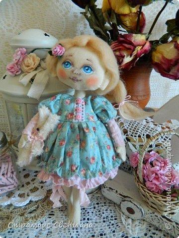 Доброго времени суток, всем кто заглянул! Знакомтесь,  моя новая куколка-малышка! Рост куколки 22 см. Ручки и ножки подвижные, на пуговичном креплении. фото 3