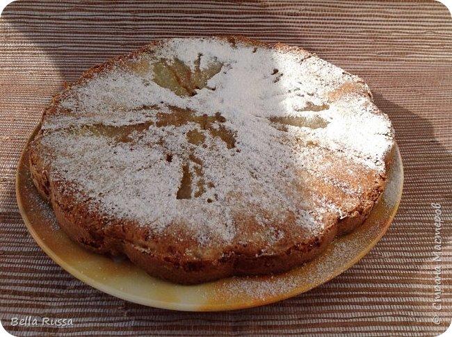Здравствуйте, дорогие соседи!  Давно не угощала вас чем-нибудь вкусненьким. Исправляюсь.   Сегодня в меню ароматнейший и нежнейший пирог с грушами. Равно хорош этот пирог с персиками. В приготовлении очень прост и всегда удачен! фото 17