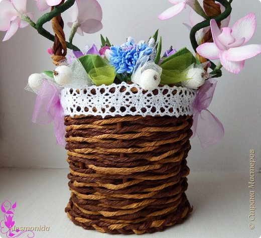 Всем добрый вечер! Вот такая корзиночка с цветами у меня получилась! Я продолжаю знакомство с фоамираном))), никак не могу остановиться, скорее мы с ним подружимся!))) фото 8