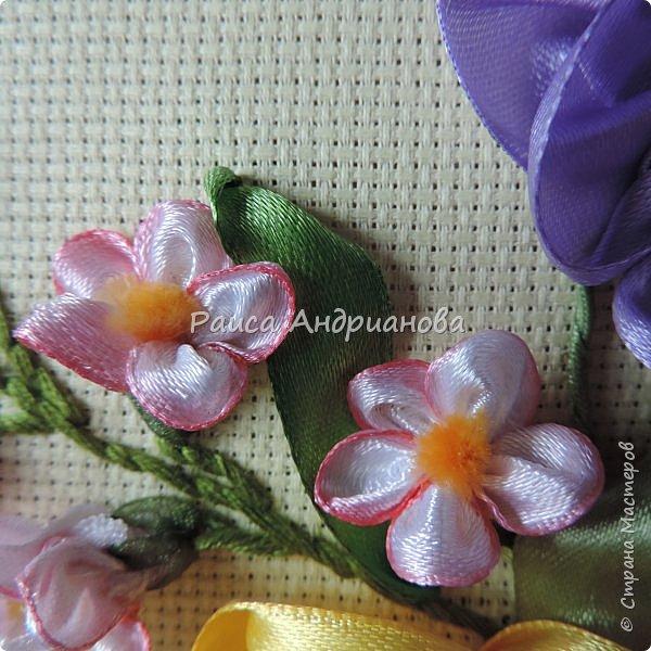 Маленькие цветочки.Понадобится: Органза(ширина 1см), шелковая или атласная лента( ширина 1см и 0,5см), нитки. фото 14