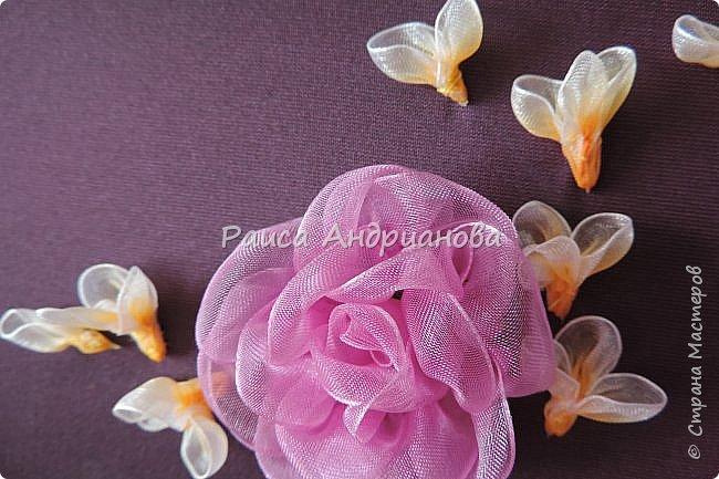 Маленькие цветочки. Понадобится: Органза(ширина 1см), шелковая или атласная лента( ширина 1см и 0,5см), нитки. фото 5