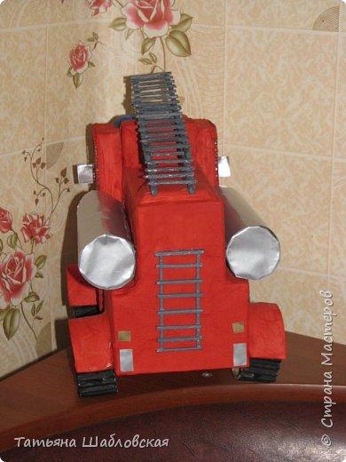 """Здравствуйте, уважаемы жители Страны. Вот и мы с детишками сделали поделку на общегородской конкурс по """"Пожарной безопасности"""". Мы выбрали номинацию """"Современная пожарная техника"""". Спасибо огромное за МК Ирочке-Манюне  http://stranamasterov.ru/node/558736?c=favorite, он нам очень помог. Вот что получилось у нас. фото 3"""