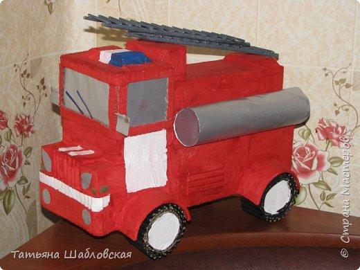 """Здравствуйте, уважаемы жители Страны. Вот и мы с детишками сделали поделку на общегородской конкурс по """"Пожарной безопасности"""". Мы выбрали номинацию """"Современная пожарная техника"""". Спасибо огромное за МК Ирочке-Манюне  http://stranamasterov.ru/node/558736?c=favorite, он нам очень помог. Вот что получилось у нас. фото 5"""