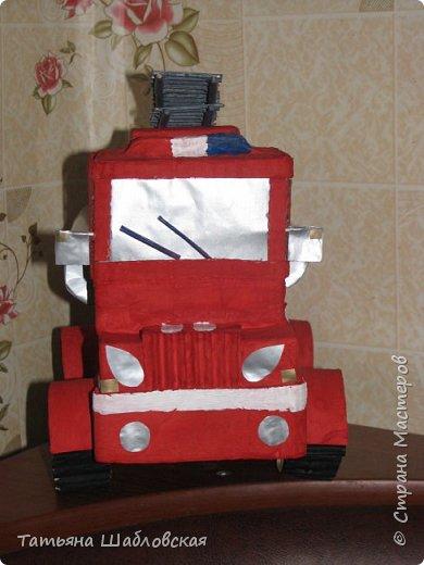 """Здравствуйте, уважаемы жители Страны. Вот и мы с детишками сделали поделку на общегородской конкурс по """"Пожарной безопасности"""". Мы выбрали номинацию """"Современная пожарная техника"""". Спасибо огромное за МК Ирочке-Манюне  http://stranamasterov.ru/node/558736?c=favorite, он нам очень помог. Вот что получилось у нас. фото 4"""