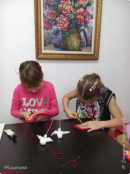 Доброго времени суток!  С масленницей!  Сегодня я провела первый МК для детей по народной кукле Хороводнице. Оххх, сложнл. А ведь всего было 3 девчонки))) фото 8