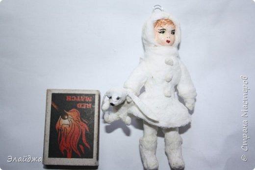 Вот за выходные получилась  Девчушка с зайцем, имя ей еще не придумала, как и цвета в которые  раскрашу.  фото 2