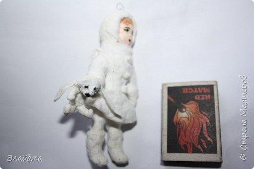Вот за выходные получилась  Девчушка с зайцем, имя ей еще не придумала, как и цвета в которые  раскрашу.  фото 4