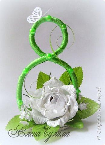 Я правда с опозданием, но лучше поздно, милые девочки, девушки, мамы и бабушки, позадравляю всех вас с прошедшим праздником весны, 8 марта, крепкого здоровья вам и вашим близким, огромного женского счастья, мирного неба, добра и благополучия!!!  У меня правда праздник грустный получился, 7го числа дедушка умер, так что не до празднования было.  Но не будем о грустном, а лучше напомню, что сейчас идет две игры: продолжается прием работ на флористический конкурс http://stranamasterov.ru/node/1004530 (прием работ до 17 марта продлен), который проводит Надюша Необыкновенная , также Ирочка Рязаночка объявила свит-игру http://stranamasterov.ru/node/1011037?c=favusers , так что присоединяйтесь )  фото 30