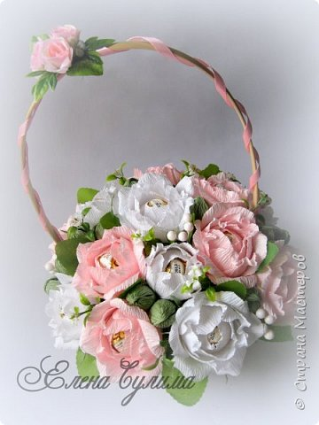 Я правда с опозданием, но лучше поздно, милые девочки, девушки, мамы и бабушки, позадравляю всех вас с прошедшим праздником весны, 8 марта, крепкого здоровья вам и вашим близким, огромного женского счастья, мирного неба, добра и благополучия!!!  У меня правда праздник грустный получился, 7го числа дедушка умер, так что не до празднования было.  Но не будем о грустном, а лучше напомню, что сейчас идет две игры: продолжается прием работ на флористический конкурс http://stranamasterov.ru/node/1004530 (прием работ до 17 марта продлен), который проводит Надюша Необыкновенная , также Ирочка Рязаночка объявила свит-игру http://stranamasterov.ru/node/1011037?c=favusers , так что присоединяйтесь )  фото 42