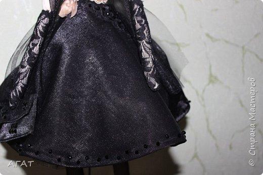 Добрый вечер!!! С весенним днем, с праздником 8 марта, поздравляю всех мастериц ! Желаю крепкого здоровья, творческих идей и успехов!!!  Представляю  свою новою работу - куклу Тильдочку.  На этот раз она у меня - блондинка в черном платье. фото 10