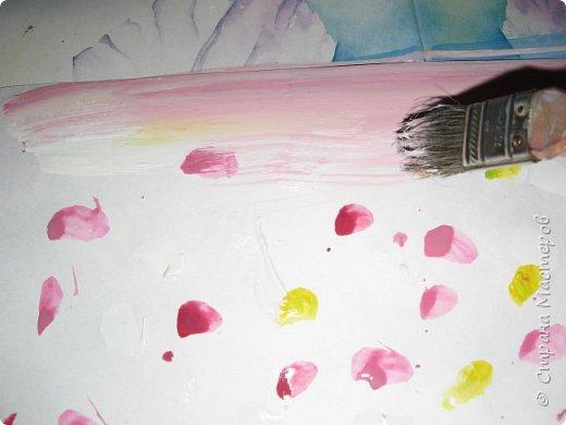 """К 8 марта в этом году рисовали вместо букетов, вот таких танцовщиц-балеринок. Идею увидела здесь:  Dancing Ballerinas Wall Art (шаблоны балеринок  можно найти, задав в поисковике """"шаблоны маленьких балеринок-танцовщиц""""). Предлагаю свои упрощенные вариации на эту тему, подбирала доступный материал для самостоятельной работы 5-ти леток. фото 3"""