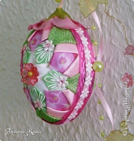 Купила я себе новые часы, и они вдохновили меня на создание весенней композиции - сотворила один шарик и два пасхальных яйца. фото 10
