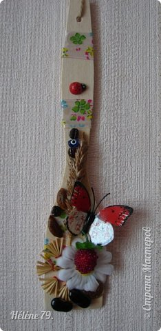 Здравствуйте, дорогие соседи!!!   Украсила лопаточки на  весенний праздник, получился декор-оберег для кухни.   №1 фото 6