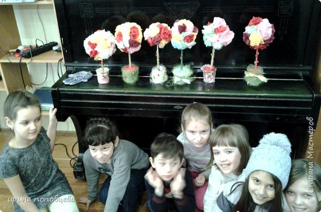 Добрый день,дорогие мои!Хочу показать вам работы моих учеников,и начну с корзинки,которую мы с Ксюшей задумали как подарок ее маме к 8 марта.  фото 10