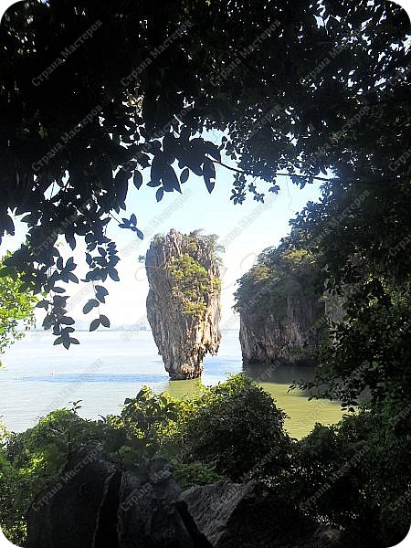 Здравствуйте! Предлагаю вам окунуться в атмосферу экзотики, вечного лета  и улыбок ! Да, это  Таиланд. А место, где мы насладимся отдыхом - о.Пхукет, его западное побережье , - уютные и относительно чистые заливы и пляжи Патонга.  Для нас отдых - прежде всего познавательные экскурсии и  наслаждение природой.    Андаманское море, Индийский океан...Добро пожаловать на нашу маленькую экскурсию! фото 14