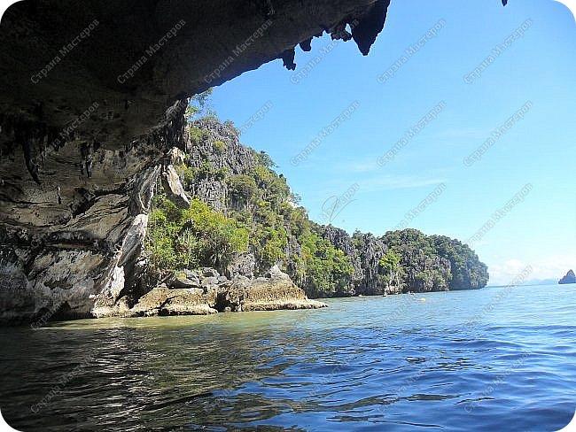 Здравствуйте! Предлагаю вам окунуться в атмосферу экзотики, вечного лета  и улыбок ! Да, это  Таиланд. А место, где мы насладимся отдыхом - о.Пхукет, его западное побережье , - уютные и относительно чистые заливы и пляжи Патонга.  Для нас отдых - прежде всего познавательные экскурсии и  наслаждение природой.    Андаманское море, Индийский океан...Добро пожаловать на нашу маленькую экскурсию! фото 17
